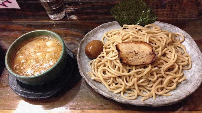 亀有『つけ麺 紫匠乃』極太自家製麺と魚介スープのラーメン