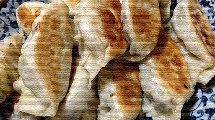 手作り餃子を皮から作る!皮がモチモチで餡も工夫できる餃子