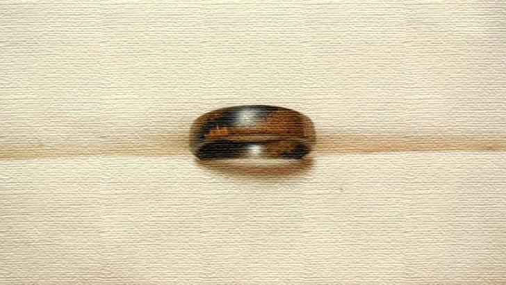 木の指輪はやさしいつけ心地がいい