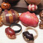 『ネコノカミ』天然無着色の木で作られた手彫りのネコ