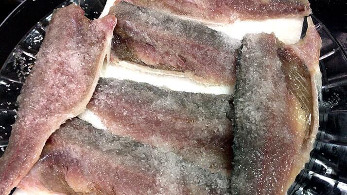 釣った鯖(サバ)でつくる「しめ鯖の手毬寿司」|絶品釣りメシ