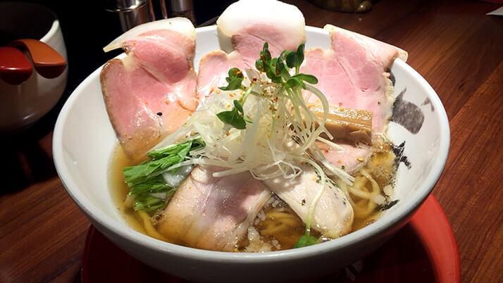 拳ラーメン|京都でラーメン食べるなら実力派の濃(こい)と淡(あわ)!
