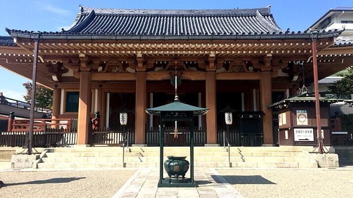 新選組ゆかりの寺「壬生寺」京都で新選組隊士の墓のある壬生塚へ