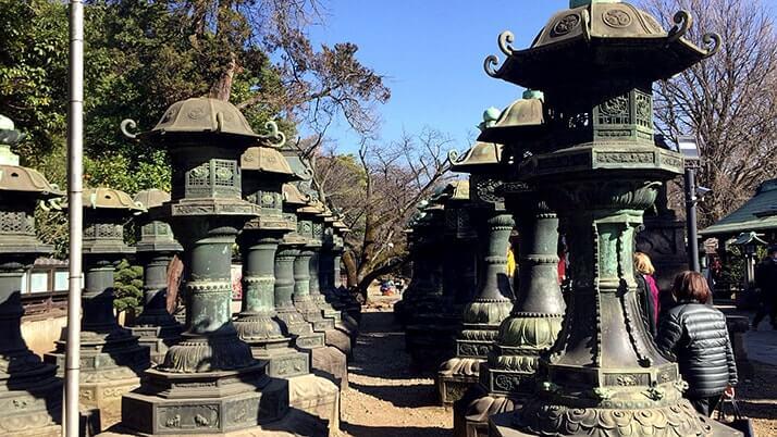 唐門に銅燈籠…上野東照宮は無料区域だけでも見所の多い神社