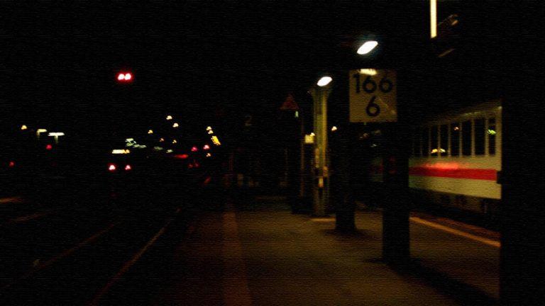 電車のホームで夜を明かす…ドイツで過ごした長い夜