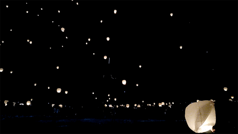 ラプンツェルの世界のようなスカイランタンに感動!新潟津南雪まつり