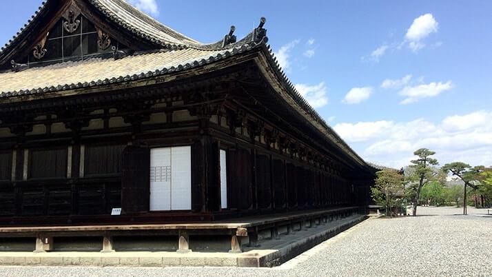 三十三間堂|千手観音で知られる京都名所の頭痛除け御守りと御朱印