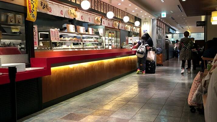 関西国際空港フードコートでのおすすめはやっぱり粉物!