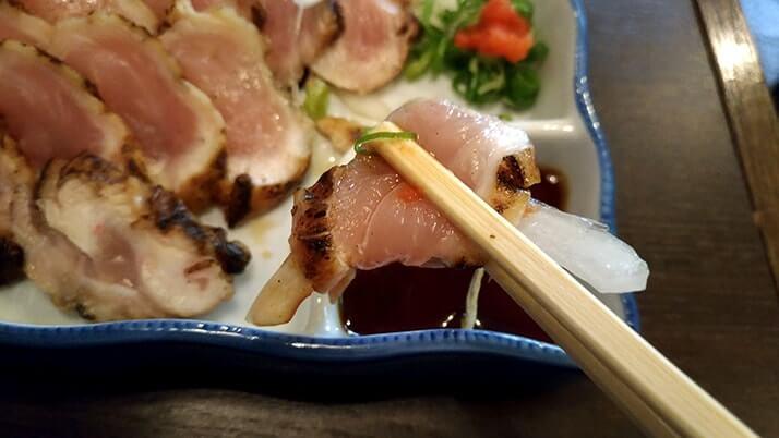 下町の居酒屋 六文銭|三原産の生タコと鶏たたきで名酒醉心を堪能【広島三原旅】