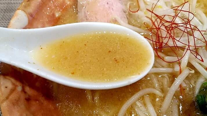 麺匠八雲本店で味噌・醤油ラーメンこだわりの一杯【堀切菖蒲園】