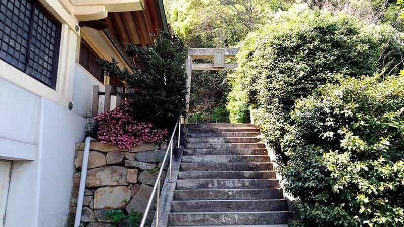 沼名前神社|山麓に位置し鞆の浦の町を見渡せる古き神社【広島福山旅】
