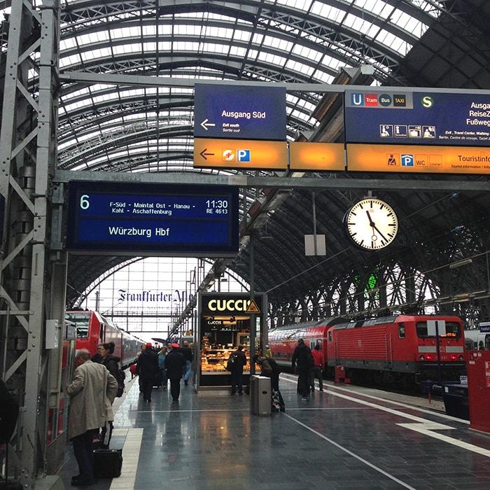 イギリスからドイツのヴュルツブルクへ!飛行機と電車で移動