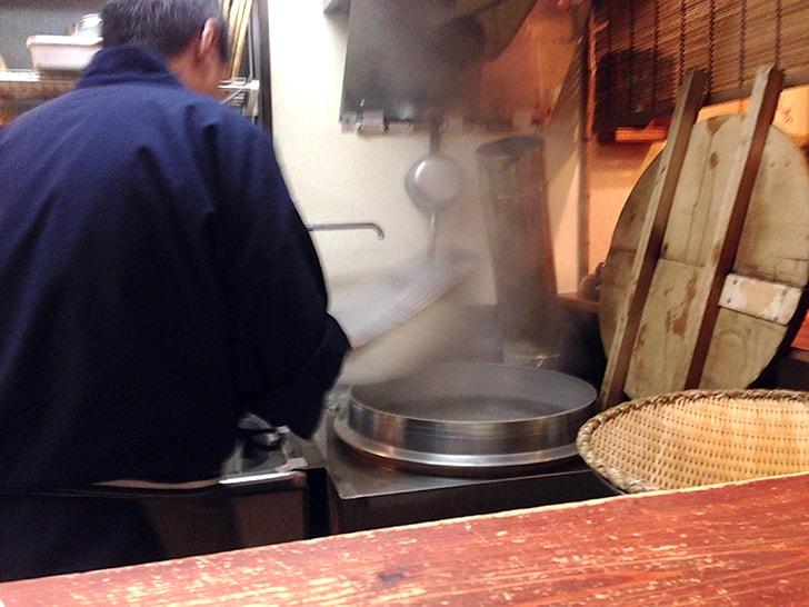 立石仲見世にある蕎麦屋『土日庵』酒を楽しんだ後の〆のそば