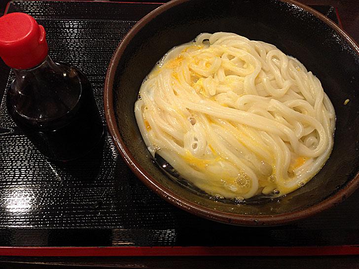 四国香川旅行でいただく讃州製麺の肉甘玉うどんと釜玉うどん