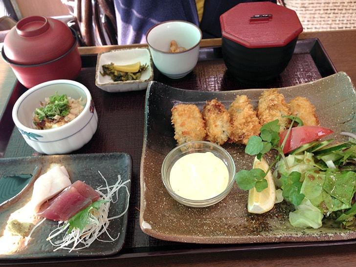 「よさこい」で宮島名物の穴子と牡蠣を堪能!【広島旅行】