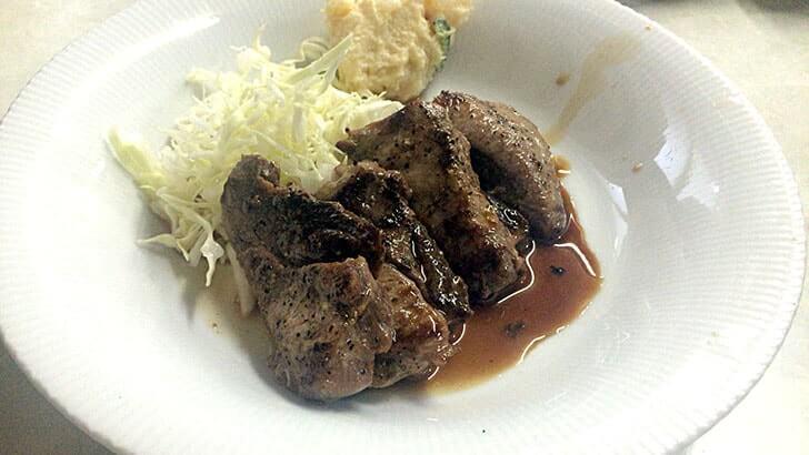 立石『ゑびす屋食堂』 どじょうやながわとまぐろの頬肉ステーキ定食