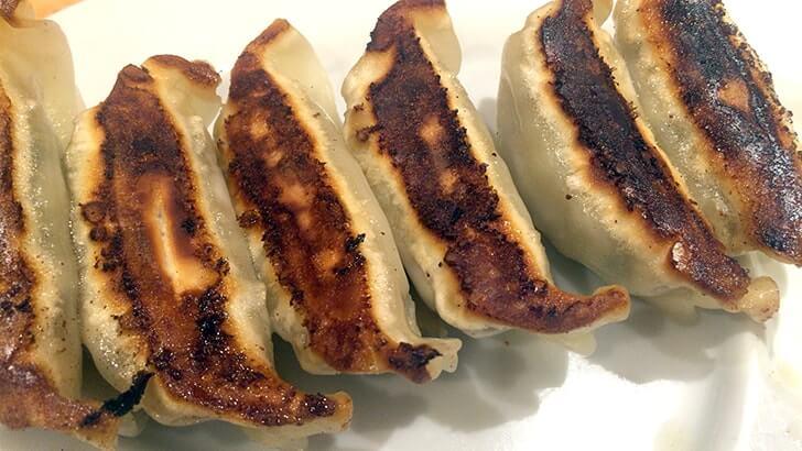 上野「東京タンメン トナリ」野菜たっぷりのタンメンを啜る