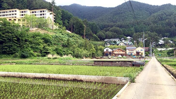 塩尻駅で蕎麦を食い白山温泉に浸かり河口湖近くのロッジに宿泊