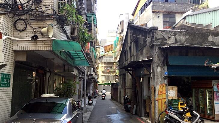 永樂布業商場|一面布の海!台北迪化街にあるローカルな布市場