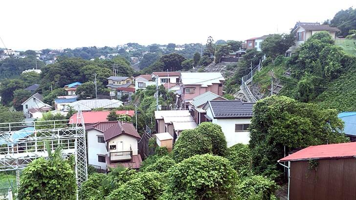 階段何段あるの?横須賀市汐入町の高台散策はまるで山登り!
