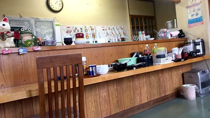 新潟県津南町の食堂ぽぱいで豚焼肉重にボリューム満点ピラフ!