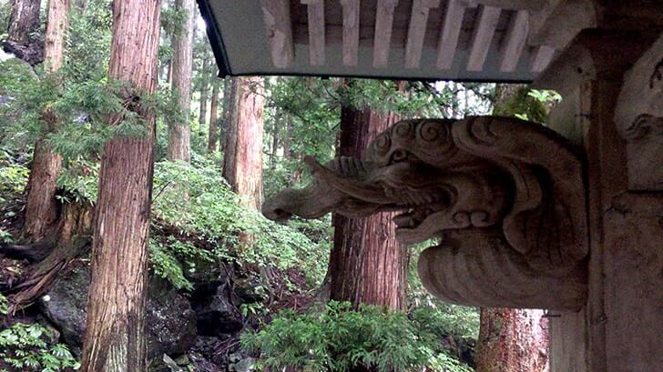 津南町「見玉不動尊」秋山郷の入口に佇む清水豊かな天台宗の寺